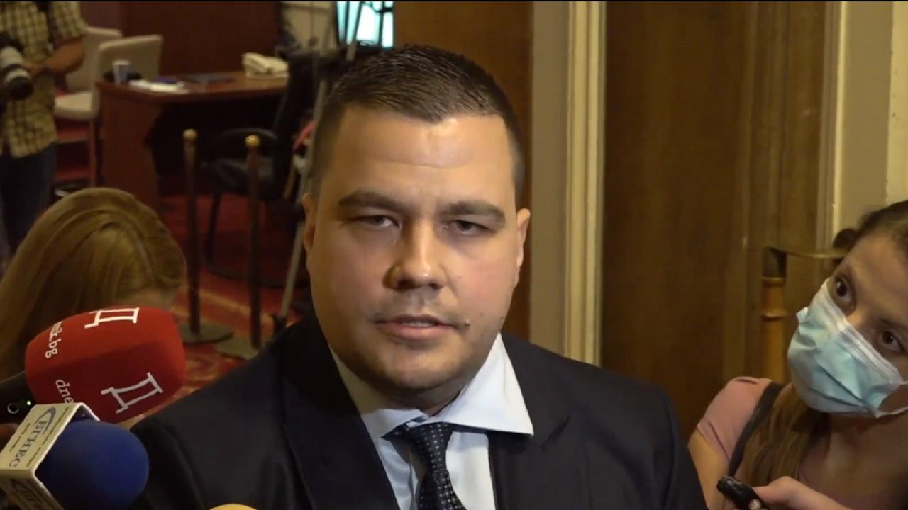 Балабанов от ИТН: Готови сме с министри, разчитам приятелският огън с ДБ да спре
