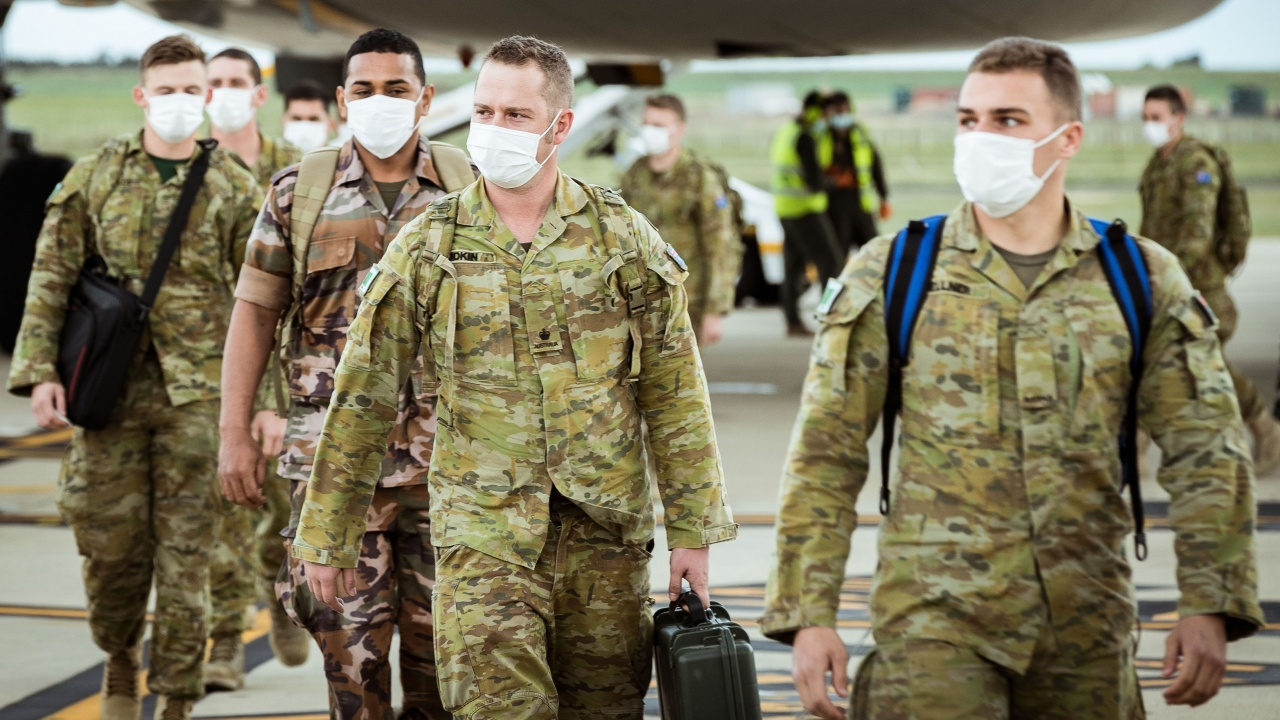 Военни излязоха по улиците на Сидни