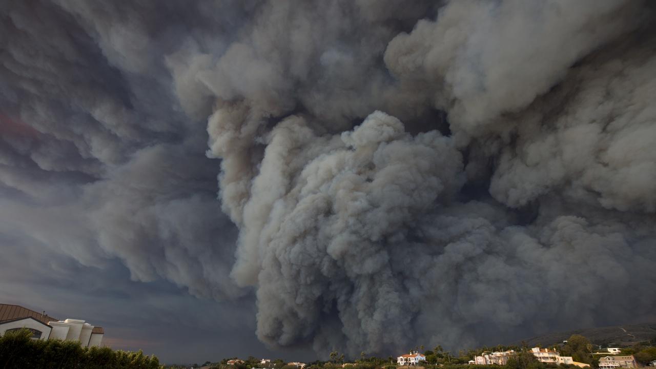 Умишлен палеж е сред разглежданите версии за пожарите в Турция