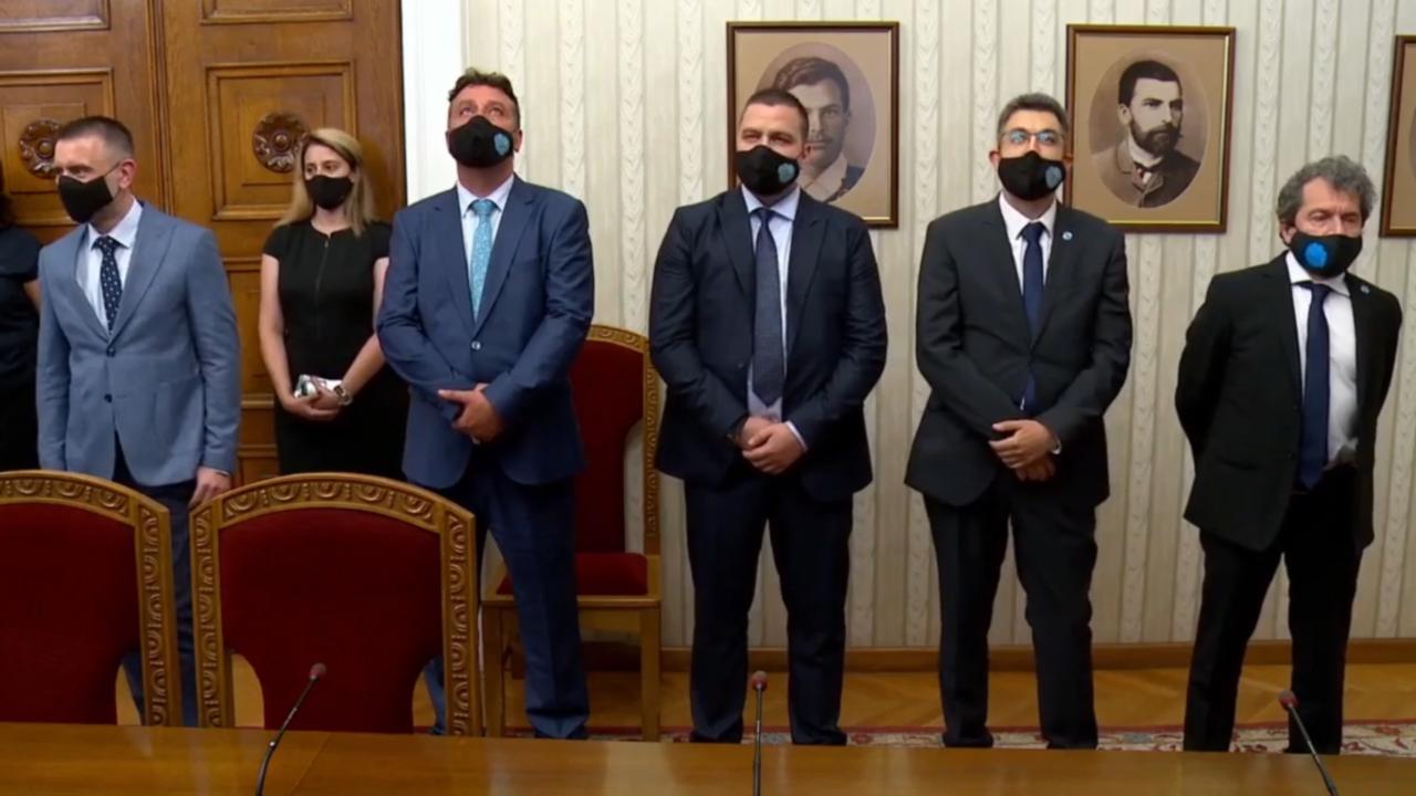 НА ЖИВО: Румен Радев връчва мандат за съставяне на правителство на Пламен Николов от ИТН