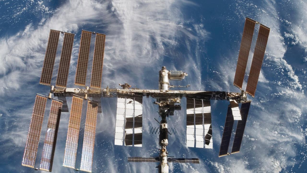 """Руски космонавти влязоха за пръв път в модула """"Наука"""" на МКС"""