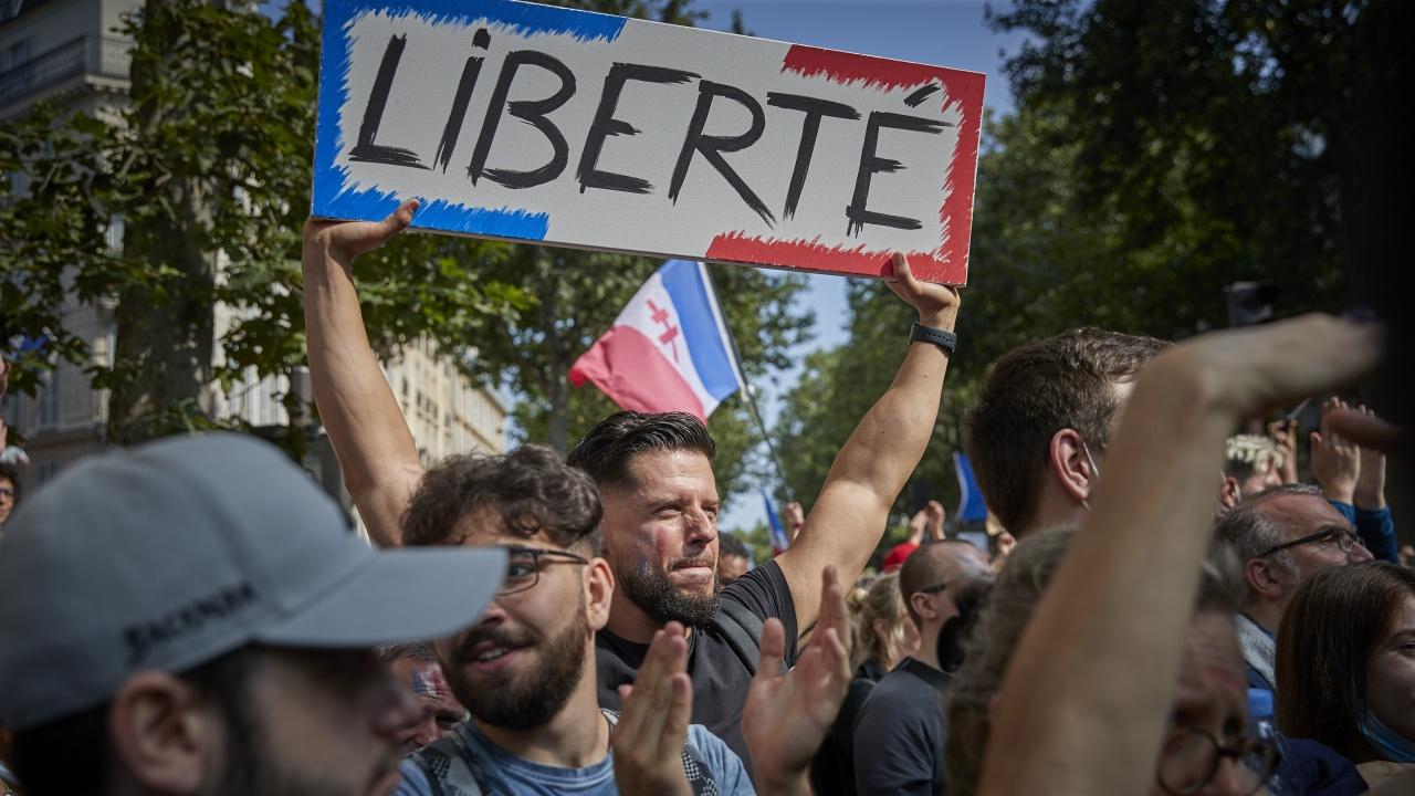 Във Франция се очакват големи протести срещу COVID мерките