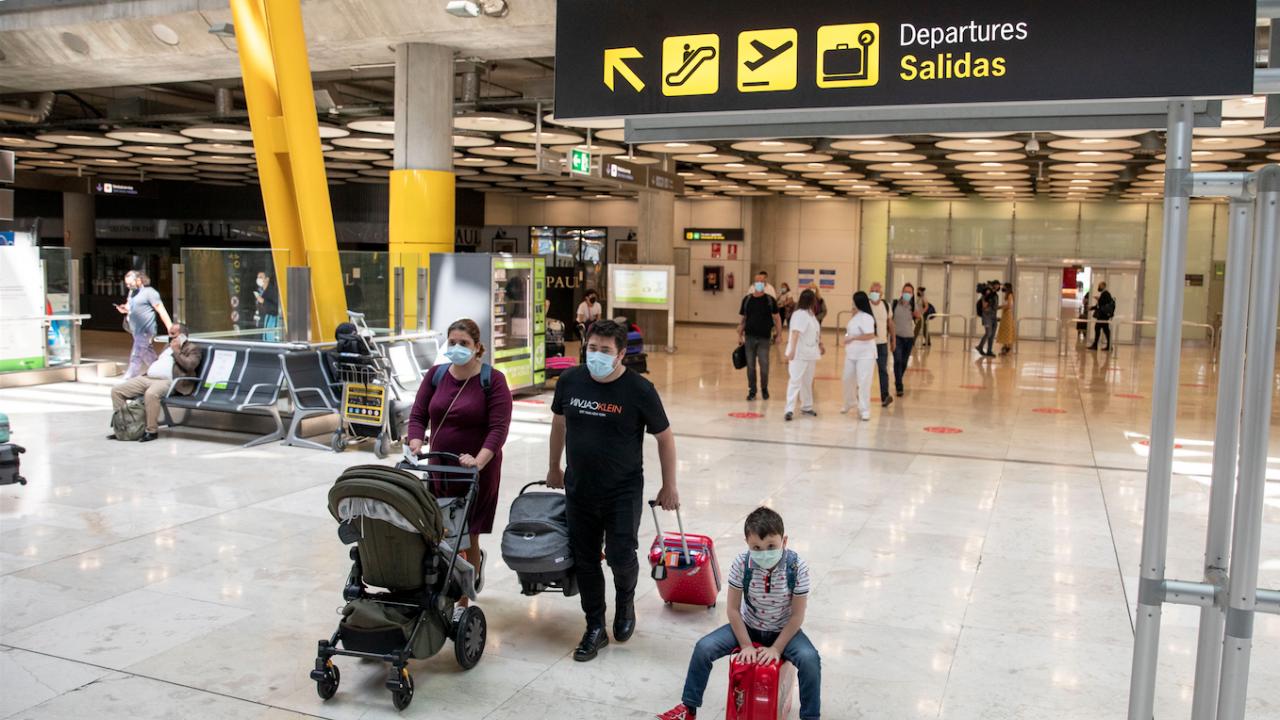 Испания премахва ограниченията за полети, но налага карантина за пристигащите от Бразилия и Южна Африка