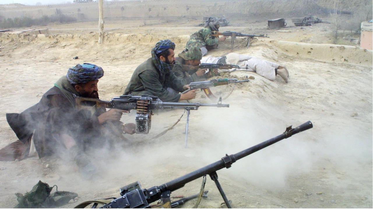 Тежки боеве се водят в най-малко две афганистански провинциални столици