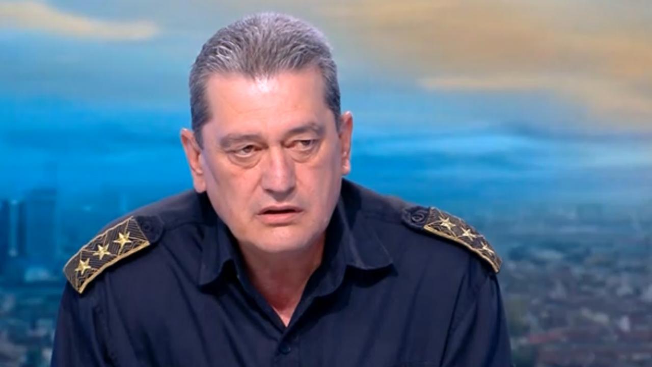 Комисар Николов: Не е лека ситуацията в момента, предстоят много тежки дни