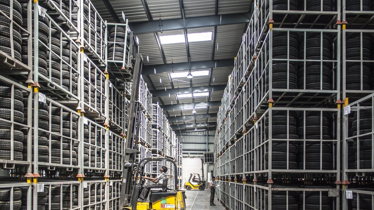 Промишлената активност в Китай през юли достигна 16-месечно дъно