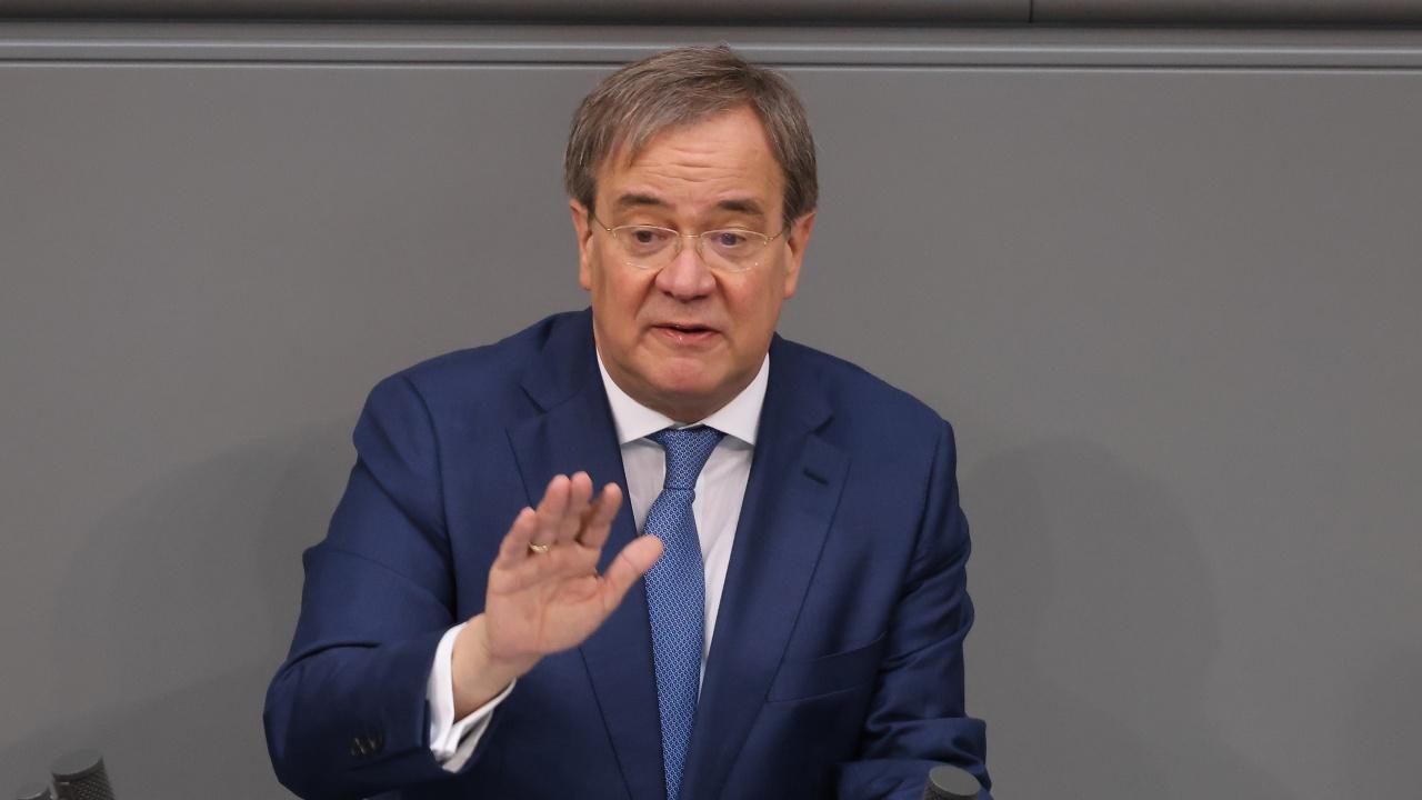 Кандидат за германски канцлер: Афганистанците, извършили престъпления, трябва да бъдат върнати в  родината им