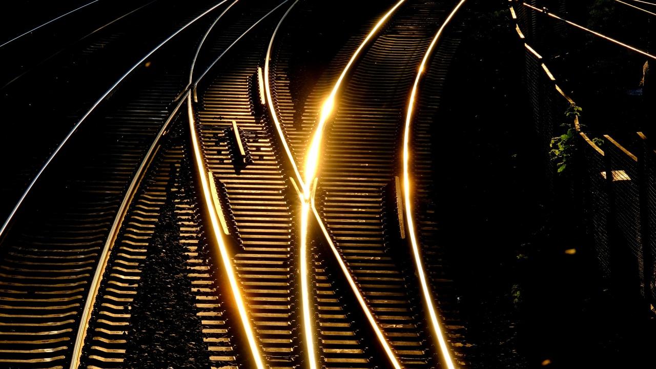 Жегата удари и… влаковете на БДЖ
