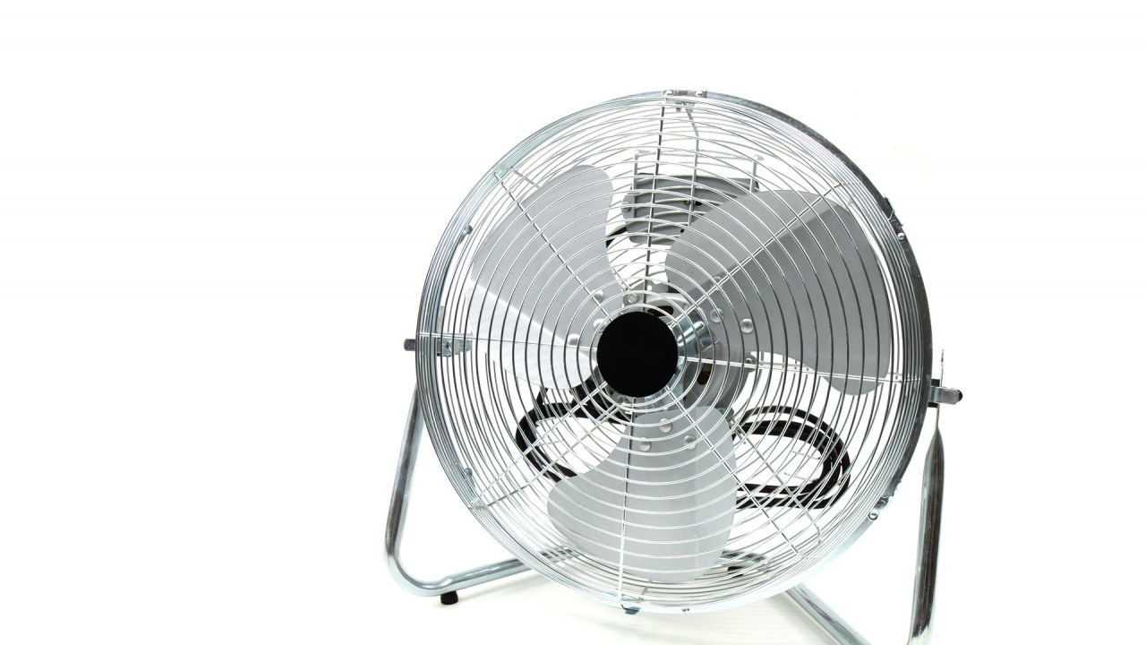 Заради жегата: Изкупиха вентилаторите в София