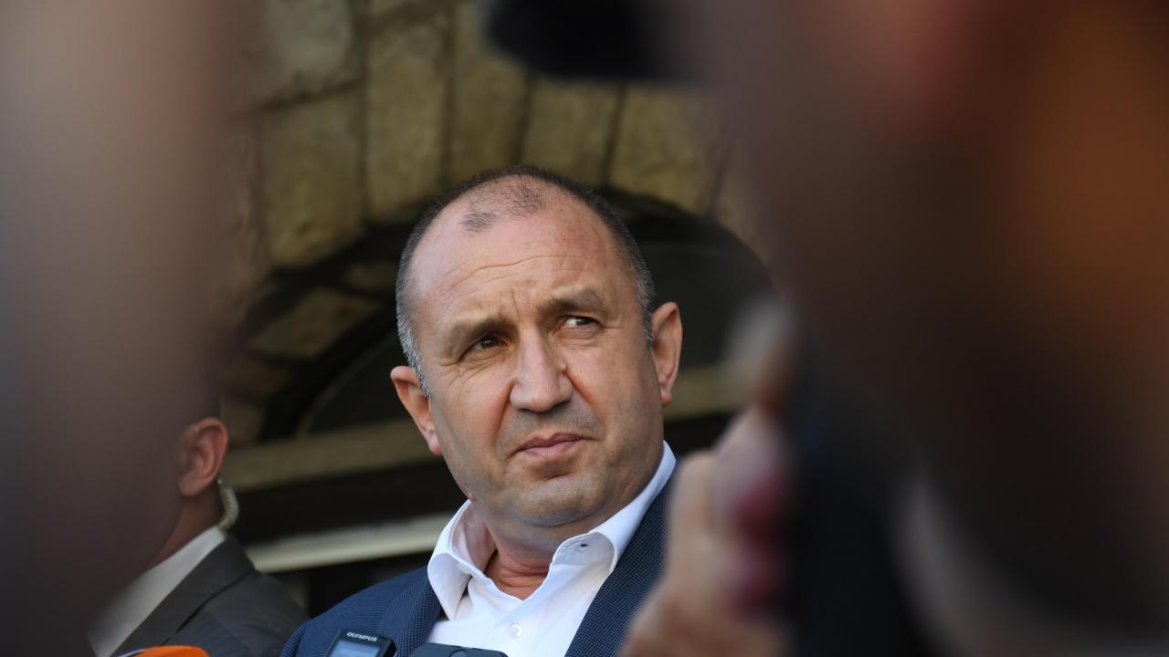 Румен Радев проведе телефонен разговор с арменския си колега Армен Саргсян