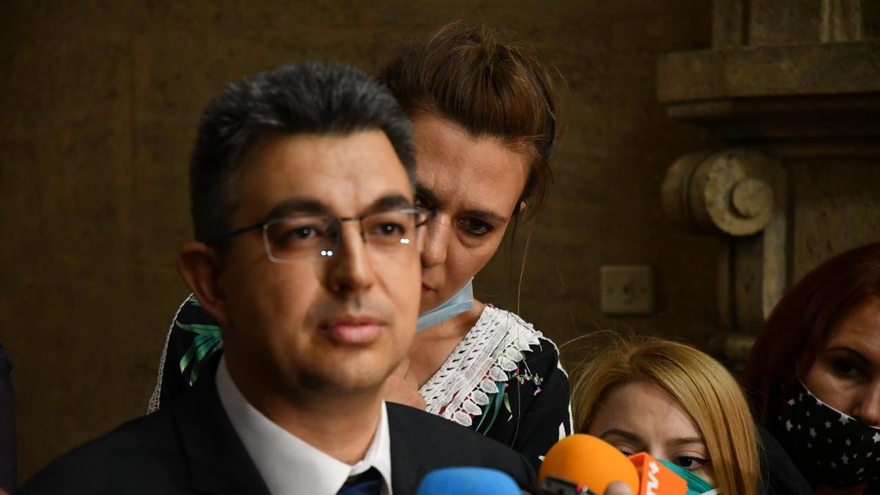 Ясен е съставът на кабинета на партията на Слави Трифонов!
