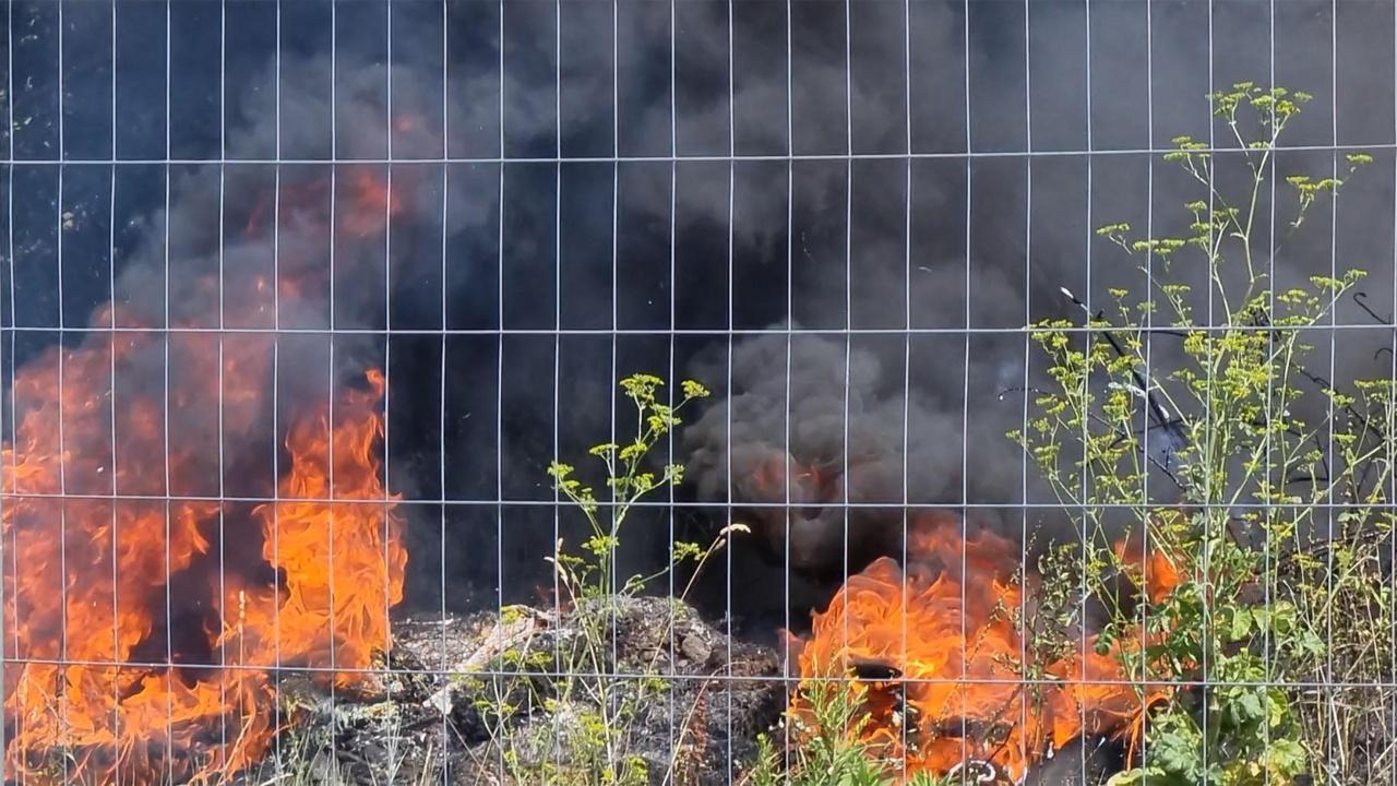 Два пожара вдигнаха на крак полицията и пожарната в София