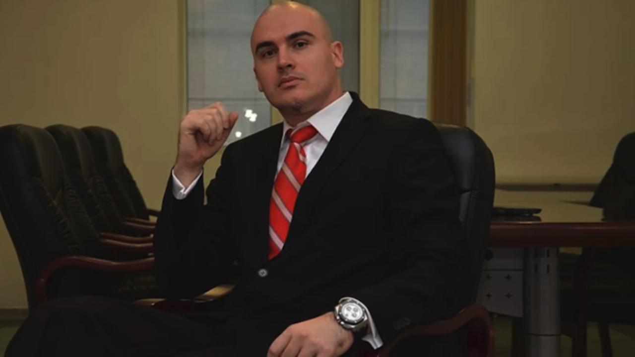 Харизанов: КС не ги ли обяви половината ви въпроси за противоконституционни и колко па да е велик Илиев при това положение?