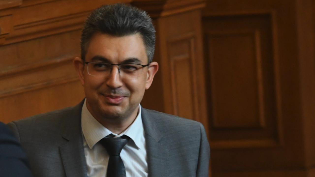 Пламен Николов: Мандатът може да бъде върнат изпълнен на президента и преди петък