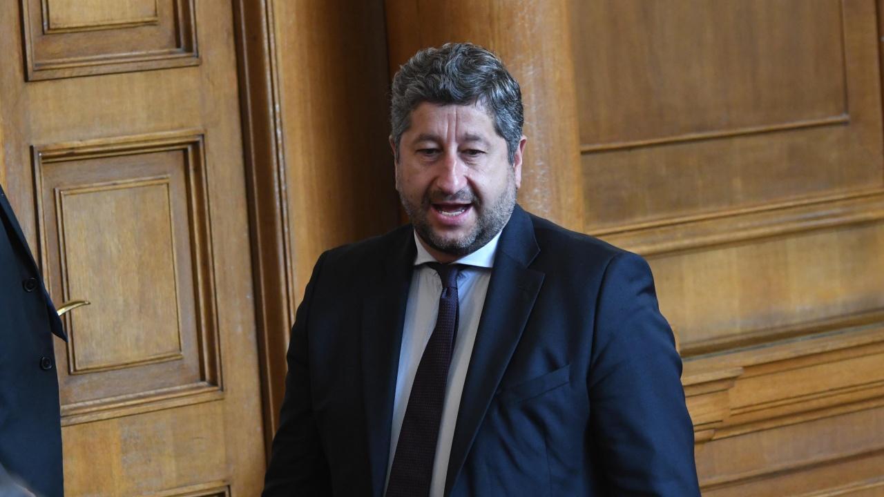 Христо Иванов: Наскоро гледах едно от шоутата на Борисов и почти се просълзих