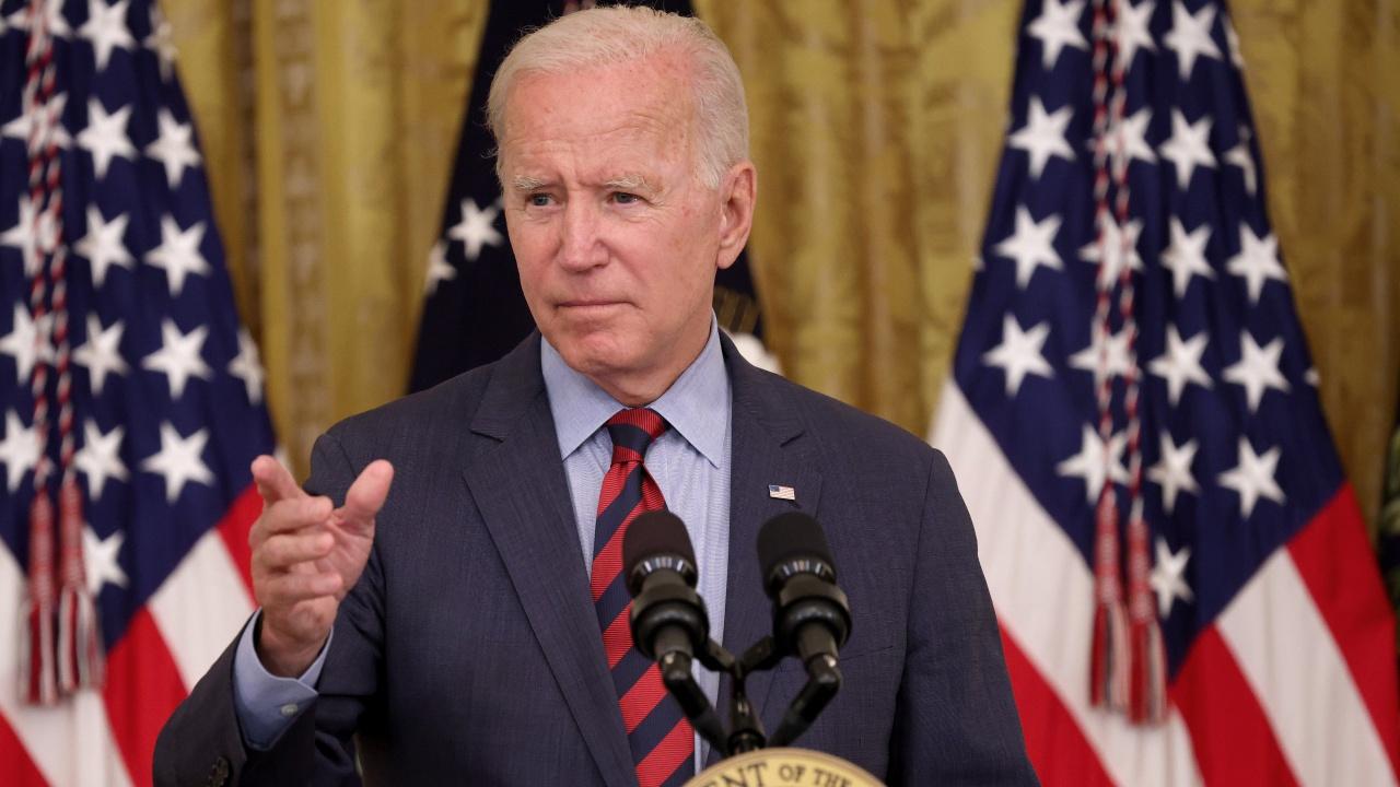 Джо Байдън порица републикански губернатори, които се противопоставят на ваксинационните правила