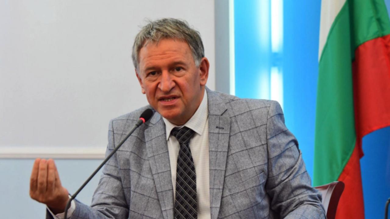 От ГЕРБ се възмутиха, че Стойчо Кацаров излязъл в отпуск