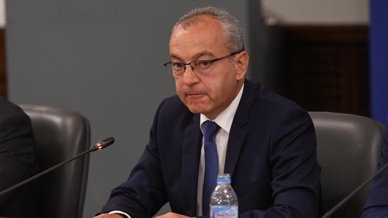 Гълъб Донев: Ще насочим средства към общините, в които има пострадали имоти от пожарите