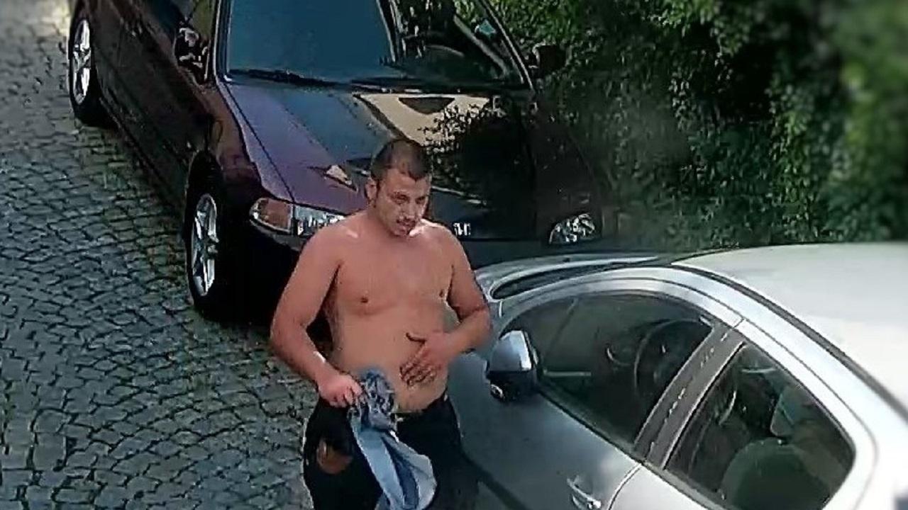 Пловдив: Издирват крадец по снимки