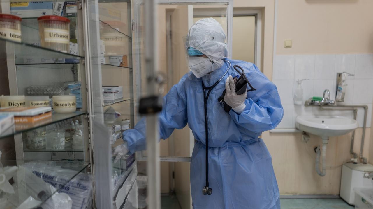 """Зам.-здравният министър: В близките 10 дни страната ни ще остане в """"зелената зона"""""""