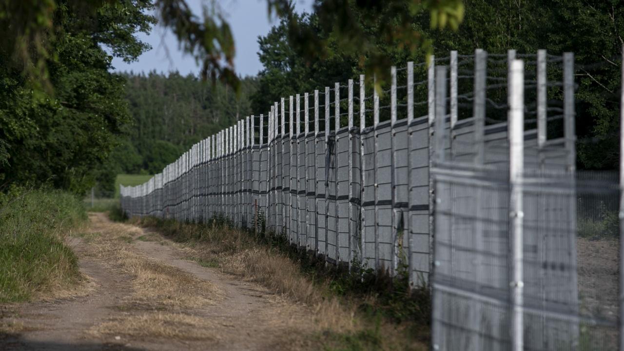 Беларус затваря границата с Литва, за да попречи на връщането на мигранти