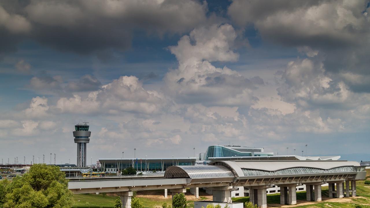 Летище София ще обслужва всички пристигащи вечерни полети на Терминал 2