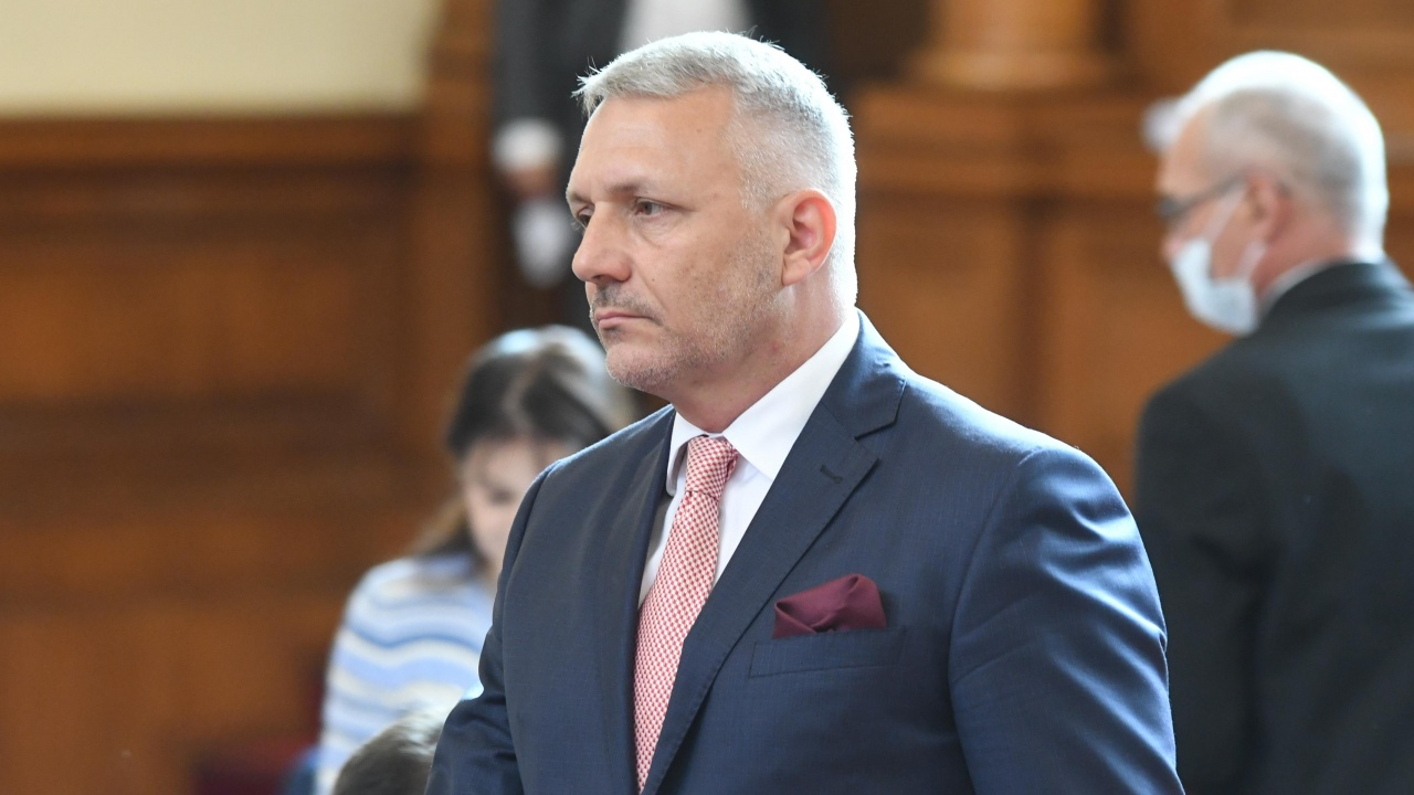 Хаджигенов: Не само номинираният за правосъден министър трябва да бъде оттеглен от проектокабинета