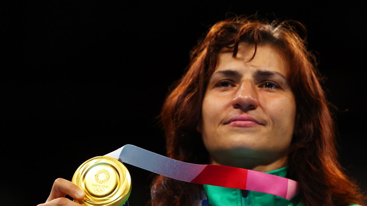 Министър Кузманов поздрави олимпийската шампионка Стойка Кръстева