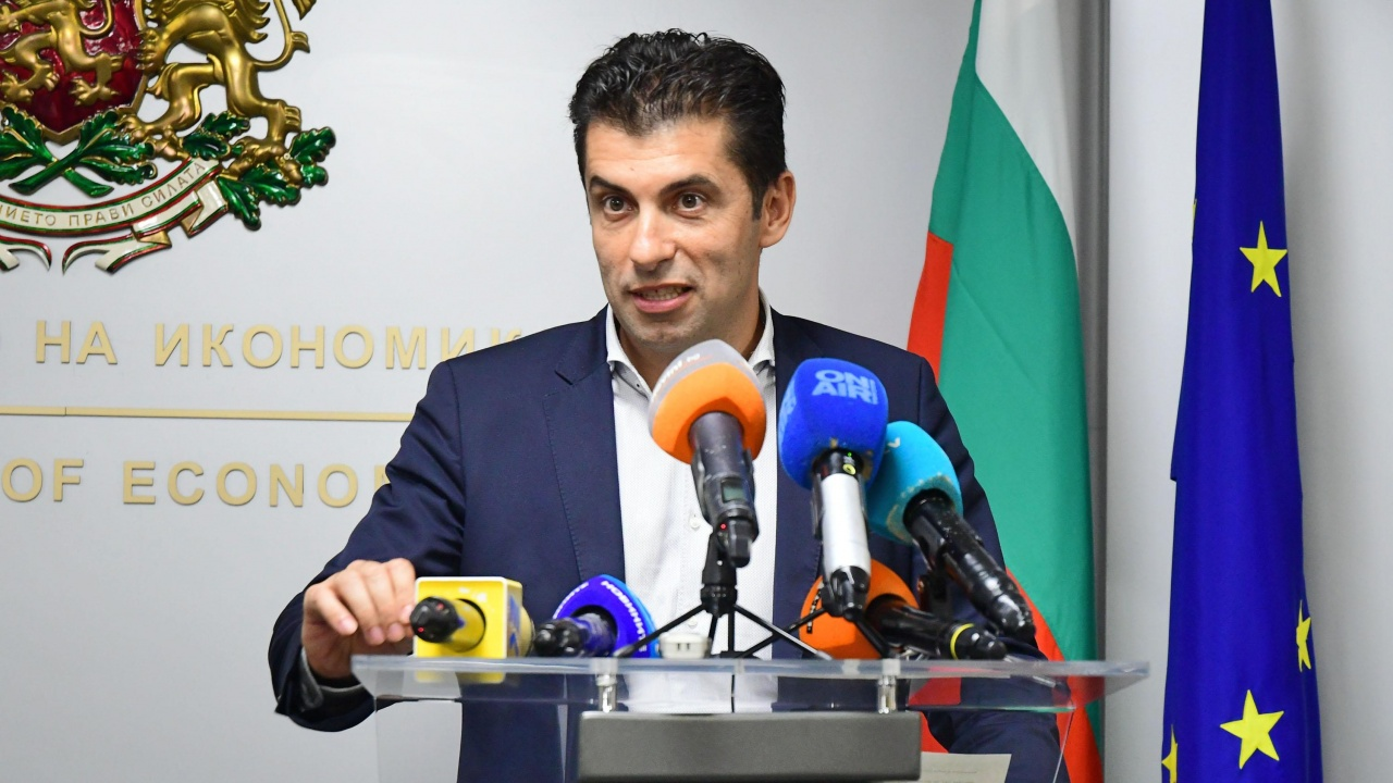 Кирил Петков - най-харесваният министър, когото хората искат и за премиер