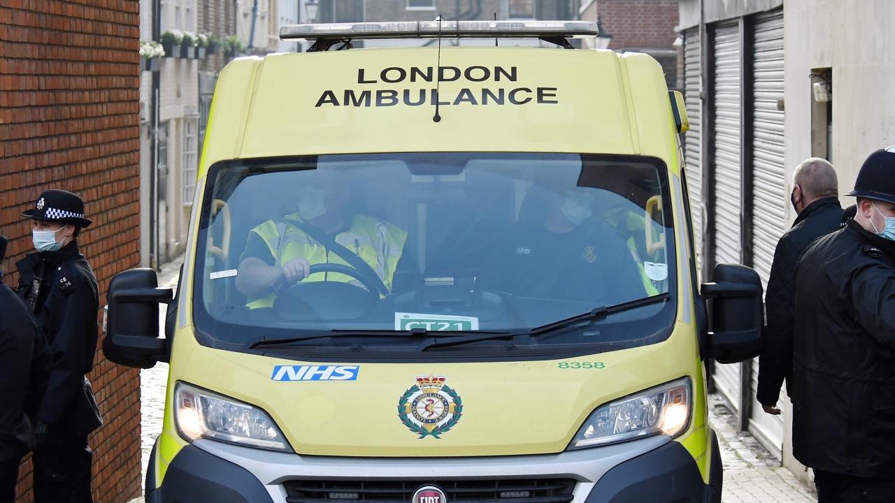 Жена почина, а трима пострадаха след автобусна катастрофа до лондонската гара Виктория