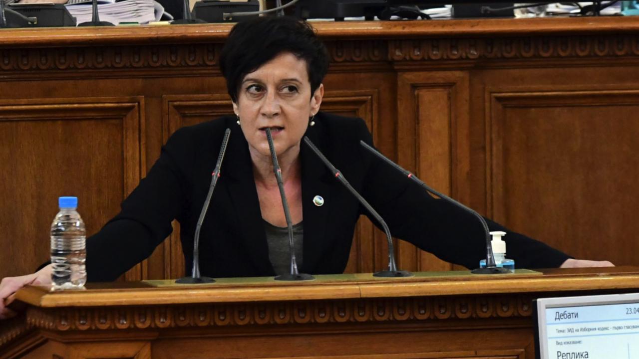 Антоанета Цонева отговори на ИТН: Прост сюжет като мусаката