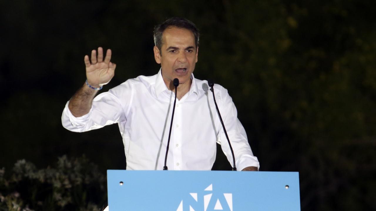 """Мицотакис определи изменението на климата за """"основен виновник"""" за горските пожари в Гърция"""