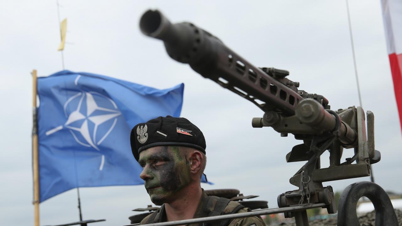 На Източния фланг на НАТО: Хибридна война, мигранти и дезинформация