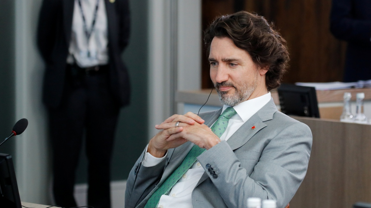 Задава ли се политическа криза и в Канада?
