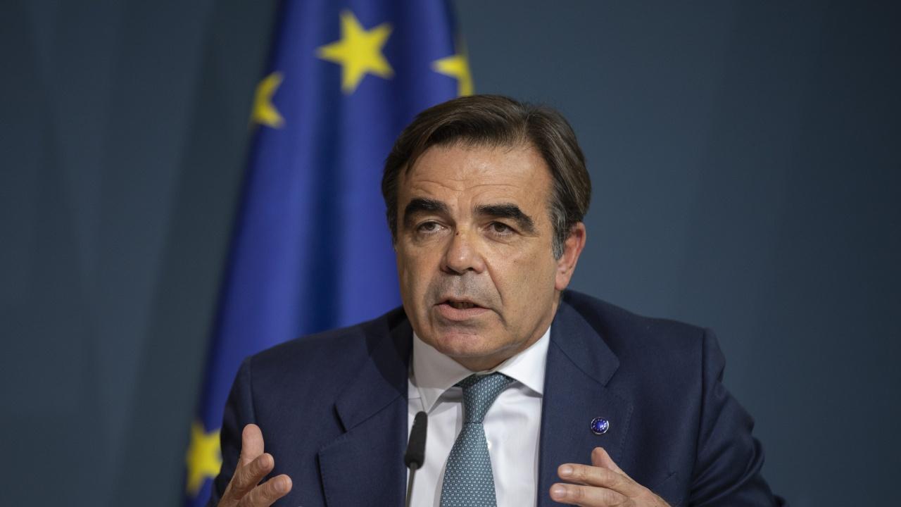 Зам.-председателят на ЕК: Кризата в Афганистан прави необходимо постигането на съгласие за нов Европейски пакт за миграцията