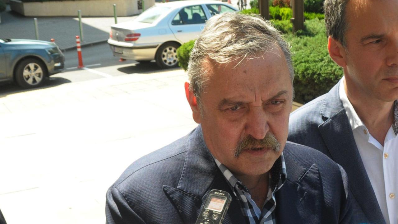Проф. Кантарджиев с коментар за затягането на мерките