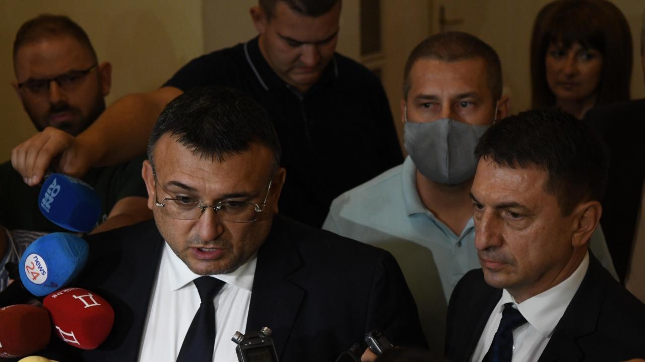Младен Маринов и Христо Терзийски с остър коментар за полицейското насилие на протестите