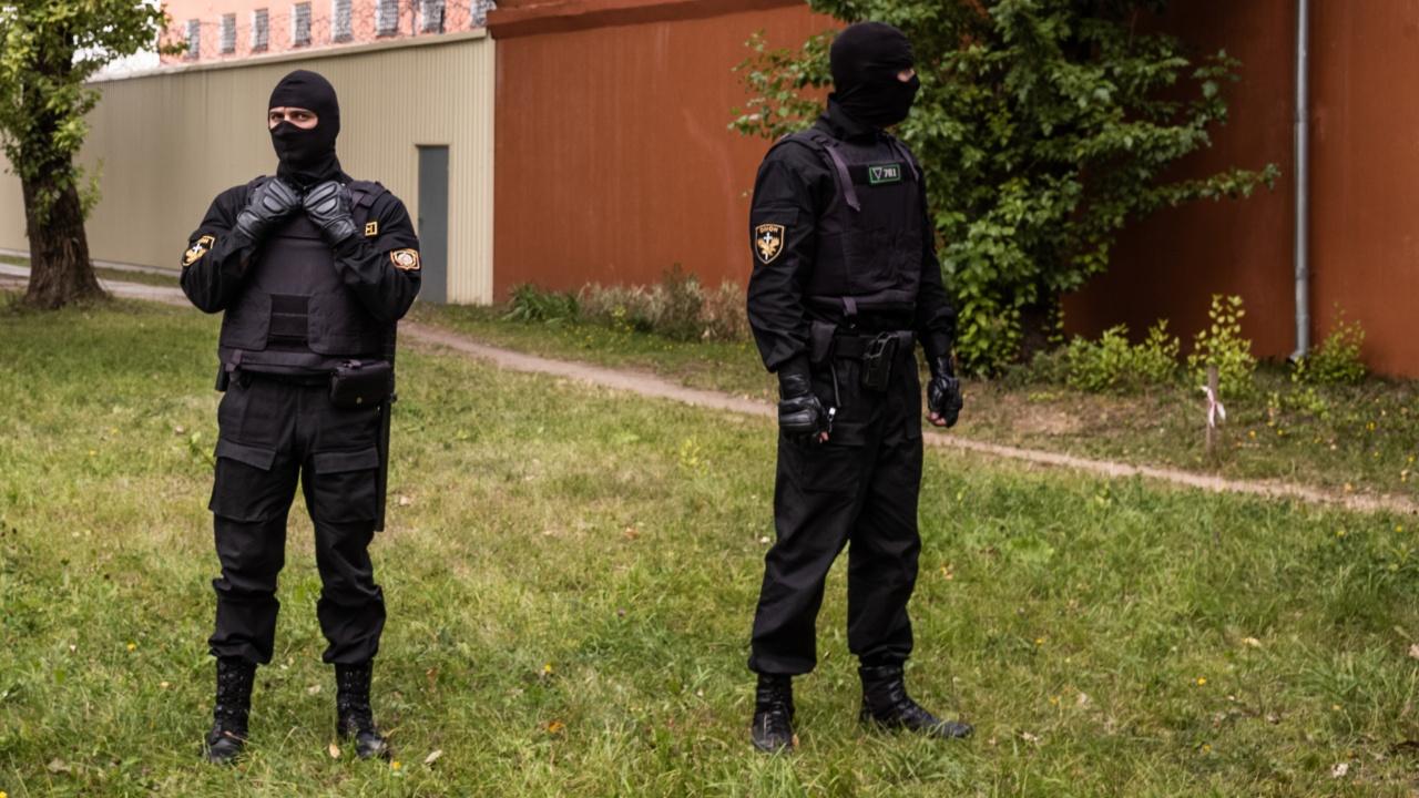 Беларуската полиция обискира жилищата на журналисти от частна медия