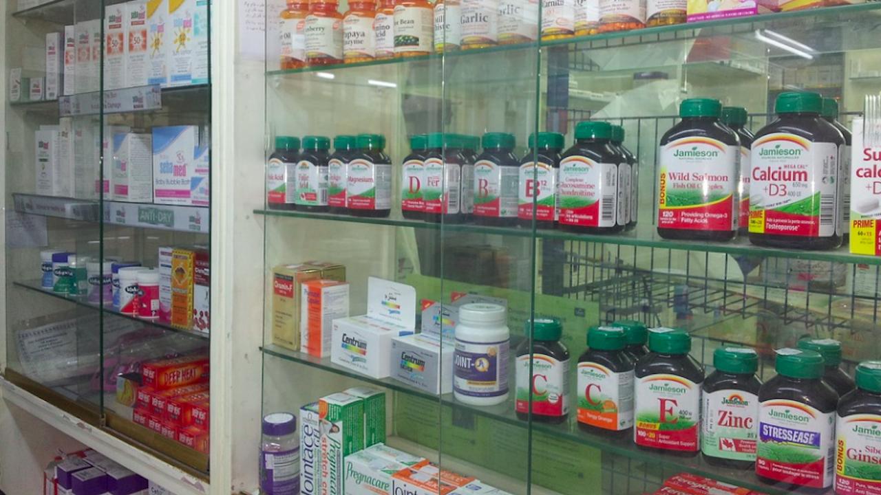 За един месец са извършени над 1700 проверки на лечебни заведения и аптеки