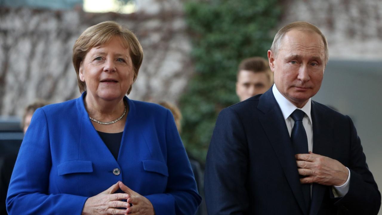 Меркел критикува Москва за Навални преди прощалната си визита в Русия