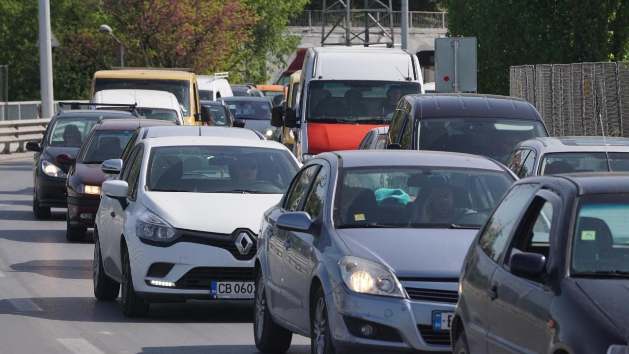 Отново жестоки тапи по пътя от Перник за София
