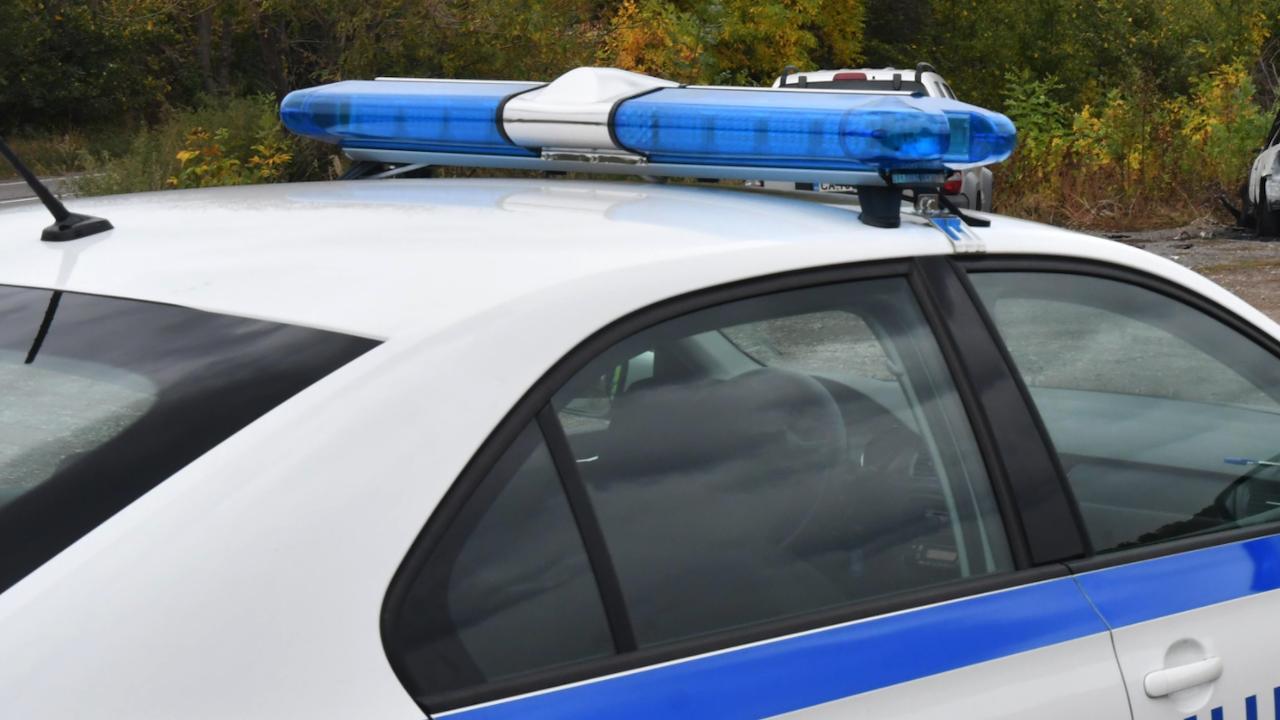 7-годишно дете е със счупен крак при катастрофа между мотоциклет и лек автомобил