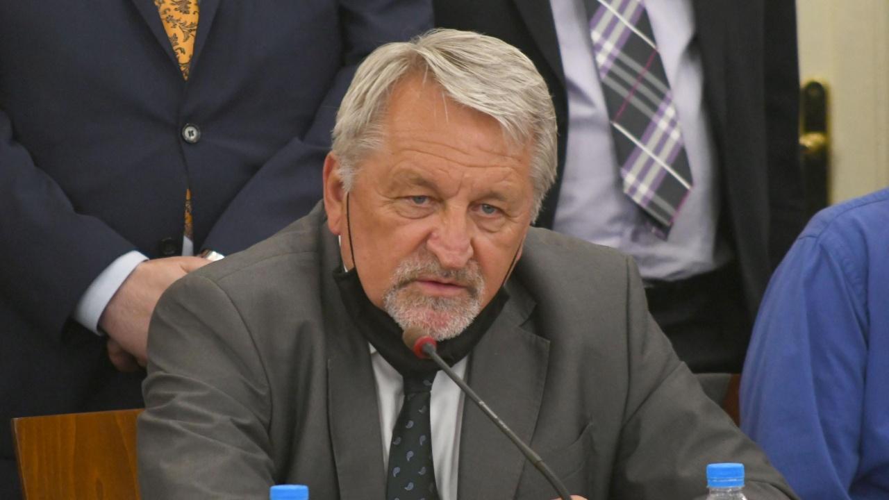 """В ход са редица наказателни процедури срещу България в частта """"Енергетика"""", обяви председателят на енергийната комисия на НС"""