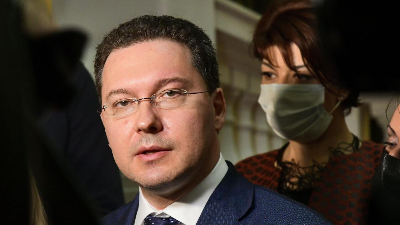 Митов: ИТН се опитват да играят странна роля на опозиция, а имат цялата власт в парламента