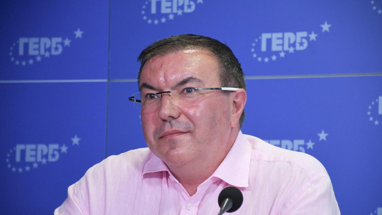 Проф. Костадин Ангелов към министър Кацаров: Плати на медиците! Спри да ги лъжеш!