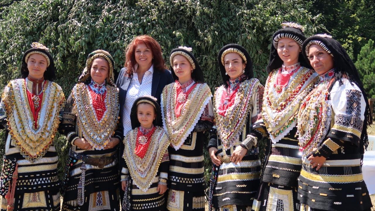 Илияна Йотова: Съборът на каракачаните е емблема за толерантност, солидарност и приятелство