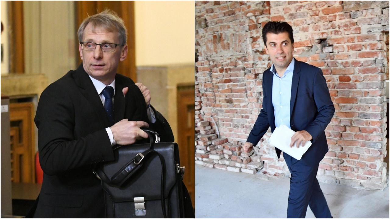 """Проф. Денков разобличи лъжите на """"жълтите медии"""", защити и колегата си Кирил Петков"""