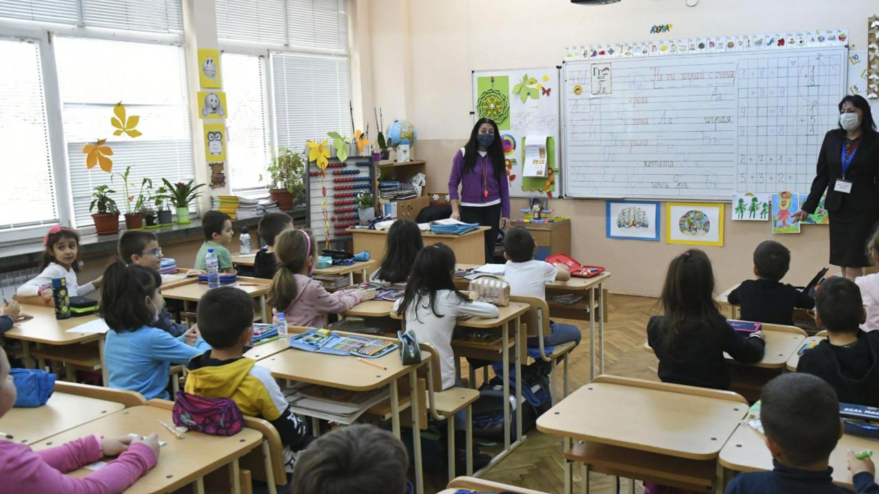 Директор на столично училище: Повечето учители предпочитат присъствен 15 септември