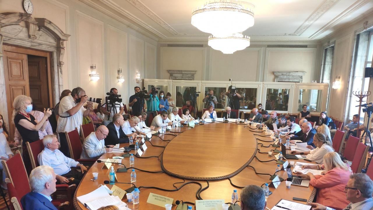 Комисията по бюджет и финанси прие на първо четене актуализацията на бюджета на НЗОК