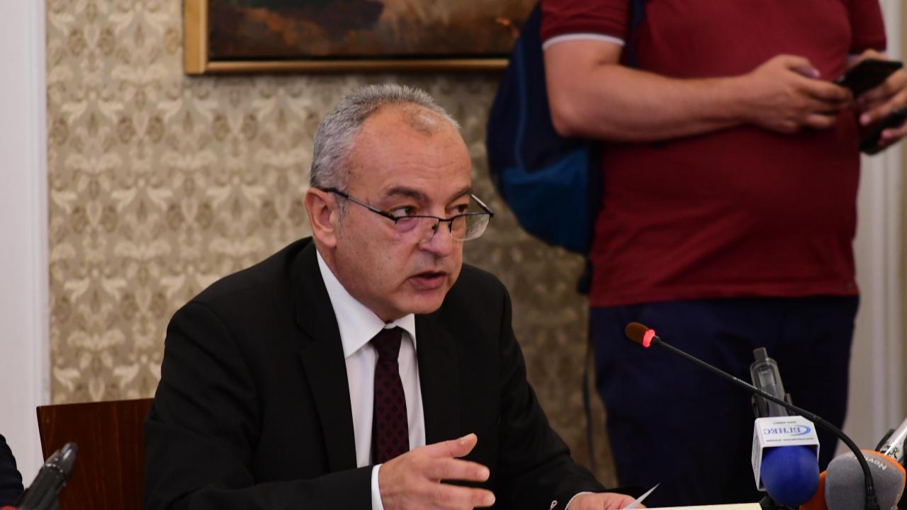 Гълъб Донев: Около 2,08 млн. пенсионери ще получат увеличение със средно от 12,5%
